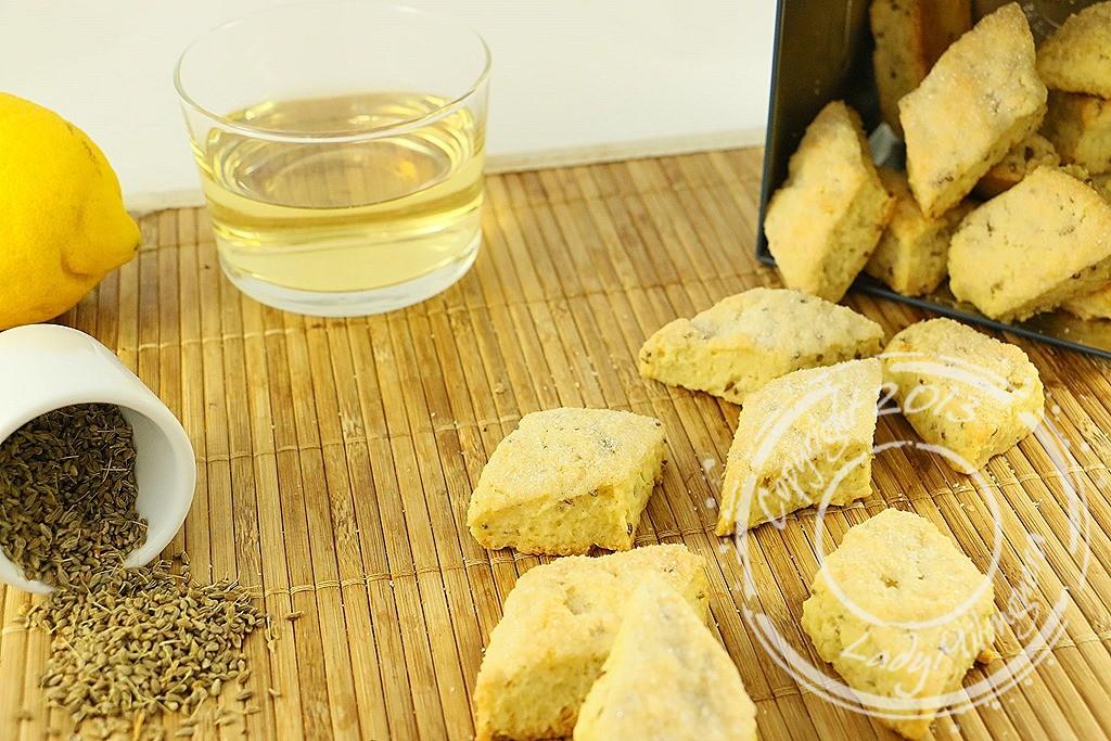 Canistrellis, biscuits corses à l'anis et vin blanc