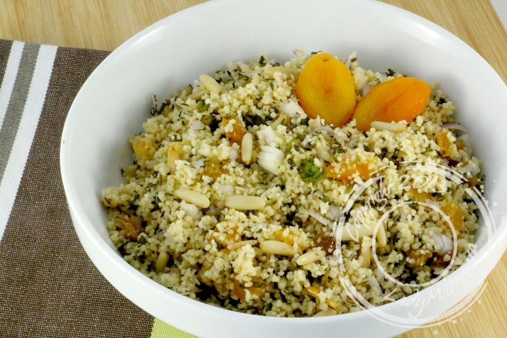 Salade de semoule aux fruits secs et à la menthe