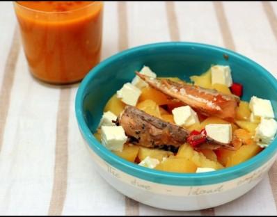 Salade de pommes de terre aux filets de maquereaux et feta